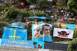 Fernando Alonso, Scuderia Ferrari fans en spandoeken
