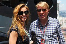 Mika Hakkinen, met vriendin Marketa Kromatova