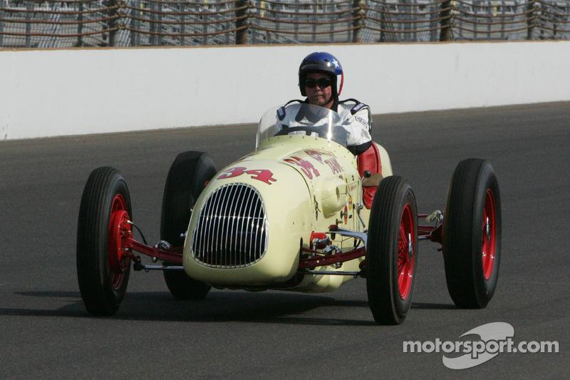 Vintage Car Laps
