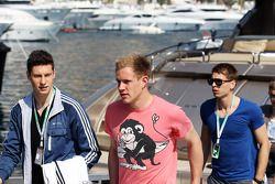 De Duitse nationale voetbalploeg bezoekt de F1 paddock
