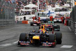 Race winnaar Mark Webber, Red Bull Racing voor 2de Nico Rosberg, Mercedes AMG F1 en 3de Fernando Alo