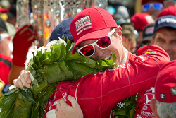 Victory circle: race winner Dario Franchitti, Target Chip Ganassi Racing Honda celebrates with second place Scott Dixon, Target Chip Ganassi Racing Honda
