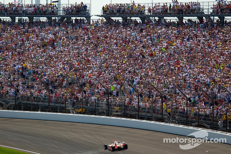2012: Bryan Herta fährt das Siegerauto von Dan Wheldon