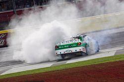 Race winner Kasey Kahne, Hendrick Motorsports Chevrolet