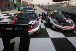 Race winner #1 Hexis Racing McLaren MP4-12C GT3: Frederic Makowiecki, Stef Dusseldorp en #2 Hexis AM