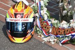 Winners photoshoot: tribute to Dan Wheldon