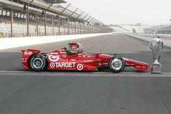Sesión de fotos de los ganadores: el coche de Dario Franchitti, Target Chip Ganassi Racing Honda
