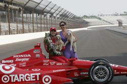 Sesión de fotos de los ganadores: Dario Franchitti, Target Chip Ganassi Racing Honda y Ashley Judd