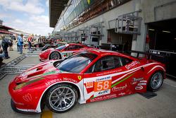 #58 Luxury Racing Ferrari 458 Italia