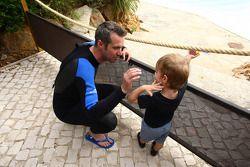 Rijders bezoeken Zoomarine, Tiago Monteiro, SEAT Leon WTCC, Tuenti Racing Team en zijn zoon