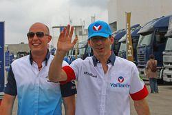 Robert Huff, Chevrolet Cruze 1.6T, Chevrolet en Alain Menu, die Michel Vaillant speelt met Chevrolet