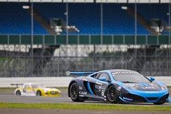 #60 Von Ryan Racing McLaren MP4-12C GT3: Julien Draper, Matt Draper, Stephen Jelley
