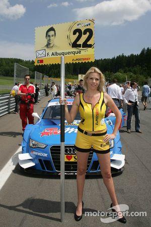 Gridgirl voor Filipe Albuquerque, Audi Sport Team Rosberg, Audi A5 DTM