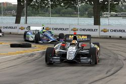 Oriol Servia, de Dreyer & Reinbold Racing Chevrolet y Tony Kanaan, de KV Racing Technology Chevrolet