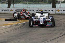 Marco Andretti, de Andretti Autosport Chevrolet y J.R. Hildebrand, de Panther Racing Chevrolet