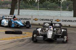 Dario Franchitti, de Target Chip Ganassi Honda, Simon Pagenaud, de Schmidt-Hamilton Motorsports
