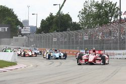 Scott Dixon, de Target Chip Ganassi Honda y Will Power, de Team Penske Chevrolet SimonPagenaud, Schm
