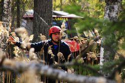 Sergei Volkov door de bomen