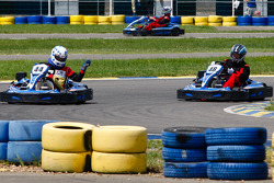 Drivers and media kart challenge at Circuit Alain Prost: Motorsport.com's Eric Gilbert wrecks havoc in the field and infuriate a few drivers