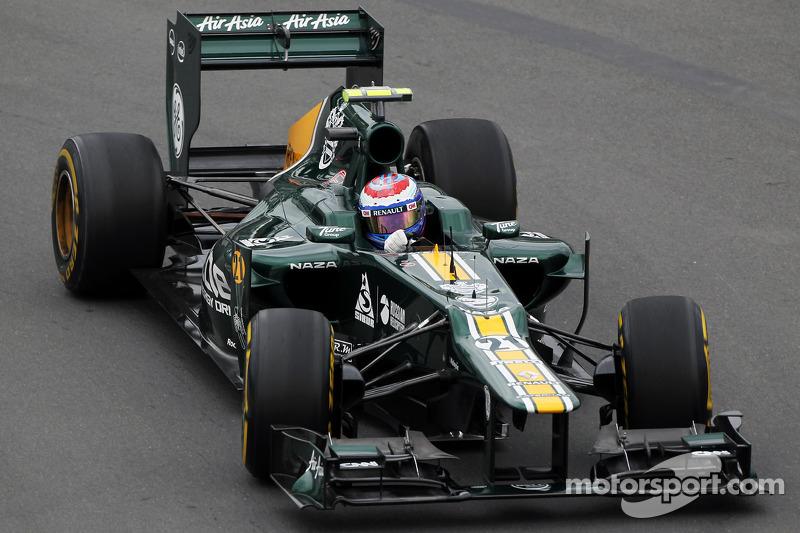 Правда, возвращение Райкконена провернули за счет увольнения из Lotus Виталия Петрова, которому пришлось уйти в Caterham