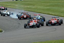 Alex Lynn leads Felix Serralles