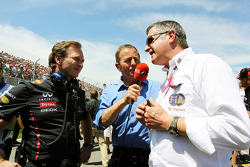 Christian Horner, Red Bull Racing Team Principal en Martin Brundle, Sky Sports Commentator en Martin Donnelly, FIA Steward op de grid