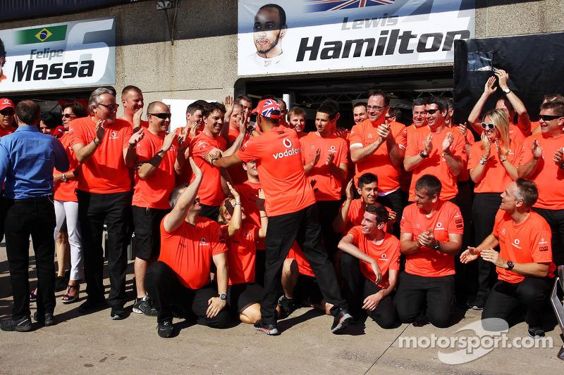 Race winner Lewis Hamilton, McLaren Mercedes celebrates with the team