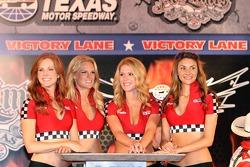 Victory lane ladies