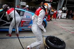 Pit stop for #21 Hitotsuyama Racing Audi R8 LMS: Cyndie Allemann, Akihiro Tsuzuki