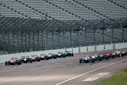 F3 cars line up at the start