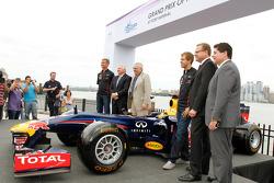 David Coulthard, Weehawken Mayor Richard Turner, Race Promoter Leo Hindery, Sebastian Vettel, Infini