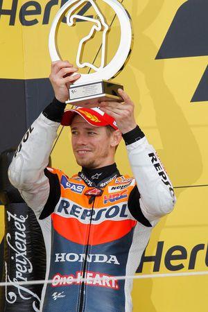 Podio: segundo lugar Casey Stoner, del equipo Repsol Honda
