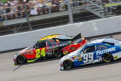 Jeff Gordon, Hendrick Motorsports Chevrolet y Carl Edwards, Roush Fenway Racing Ford