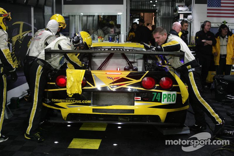 #74 Corvette Racing Chevrolet Corvette C6 ZR1: Oliver Gavin, Tom Milner, Richard Westbrook at the garage