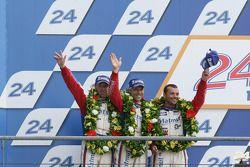 LMGTE Am podium: 2de Anthony Pons, Raymond Narac, Nicolas Armindo