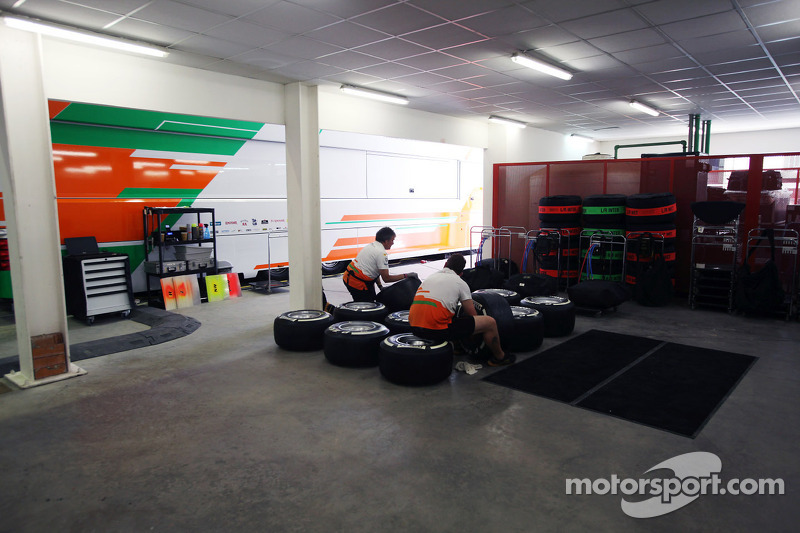 Sahara Force India F1 Team mecaniciens