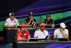 The FIA Press Conference, Sauber; Daniel Ricciardo, Scuderia Toro Rosso; Heikki Kovalainen, Caterham; Fernando Alonso, Ferrari; Lewis Hamilton, McLaren; Pedro De La Rosa, HRT Formula 1 Team