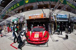 #58 Luxury Racing Ferrari 458 Italia: Pierre Ehret, Frankie Montecalvo, Gunnar Jeannette
