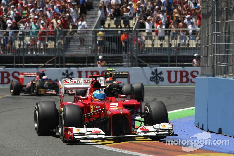 سباق جائزة أوروبا الكبرى 2012 ربما كان أفضل سباقات فرناندو ألونسو خلال مسيرته المهنية. إذ انطلق من المركز الـ 11 ليقتنص الصدارة وينهي أولاً