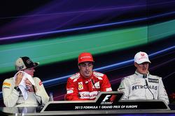 Conferencia de prensa de la FIA Kimi Raikkonen, Lotus F1 Team, segundo; Fernando Alonso, Ferrari, ga