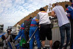 Weider Honda Racing team viert overwinning