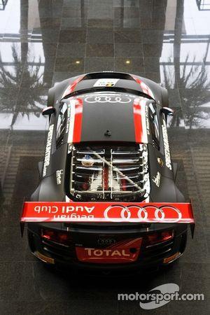 WRT Audi R8 Ultra vertoond bij ingang Panoramic Club