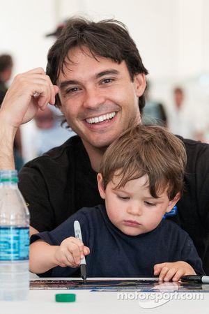 Santiago Orjuela en zoon