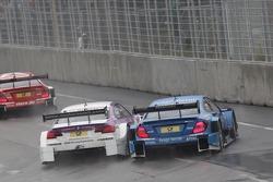 Andy Priaulx, BMW Team RBM BMW M3 DTM, Roberto Merhi, Persson Motorsport AMG Mercedes C-Coupe
