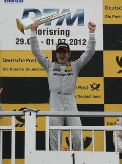 Winner Jamie Green, Team HWA AMG Mercedes, AMG Mercedes C-Coupe