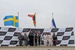 Gentlemen Driver Podium: Jan Brunstedt, Mikael Bender, Christian Kelders, Daniel Desbrueres,Philippe