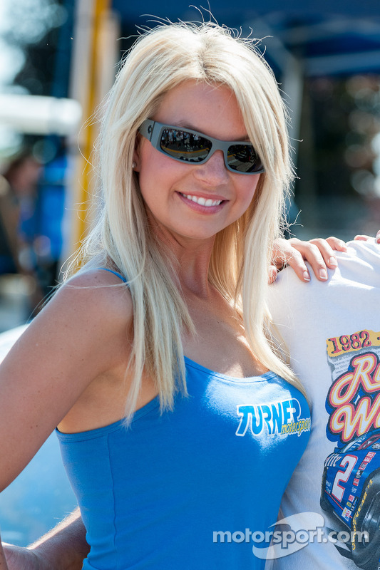Turner Motorsports gridgirl