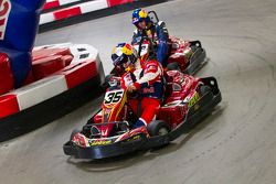 Sébastien Loeb et Travis Pastrana font la course en karting