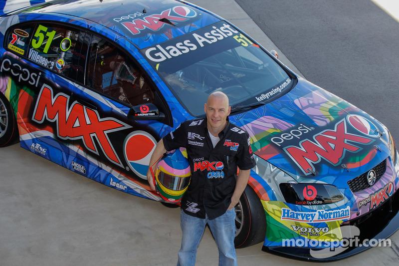 Jacques Villeneuve präsentiert das Kelly Racing Design