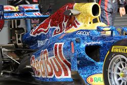 Red Bull Racing RB8 met kleurstelling met duizenden foto's van fans